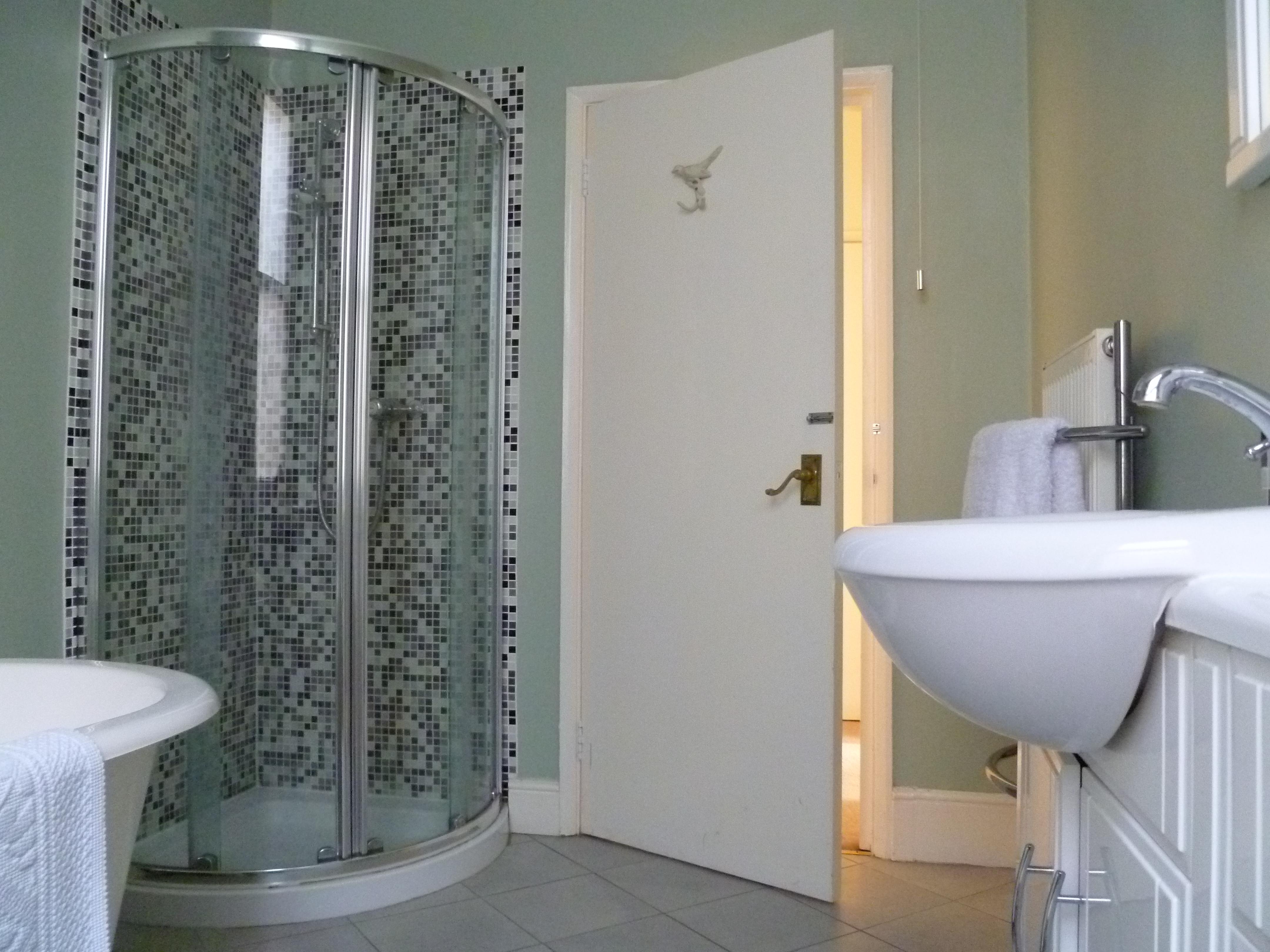 Bathroom ideas decorator 39 s notebook blog for Corner bath design ideas