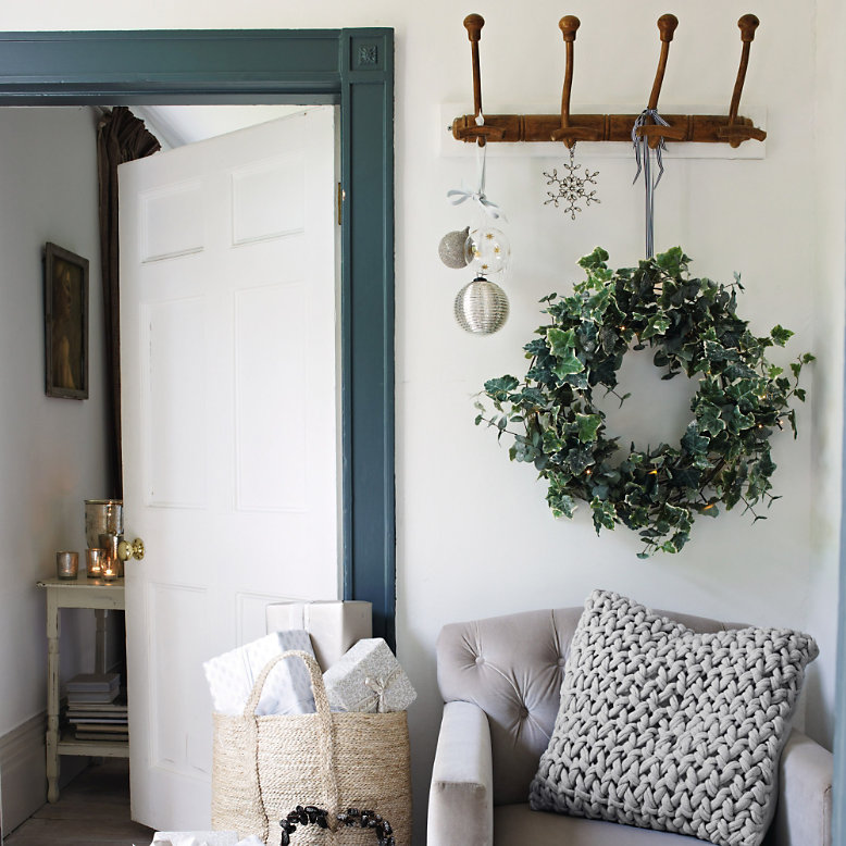10 Best Christmas Wreaths To Make And Buy
