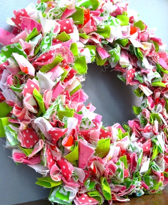 10 best christmas wreaths to make and buy decorator 39 s for Best place to buy wreaths