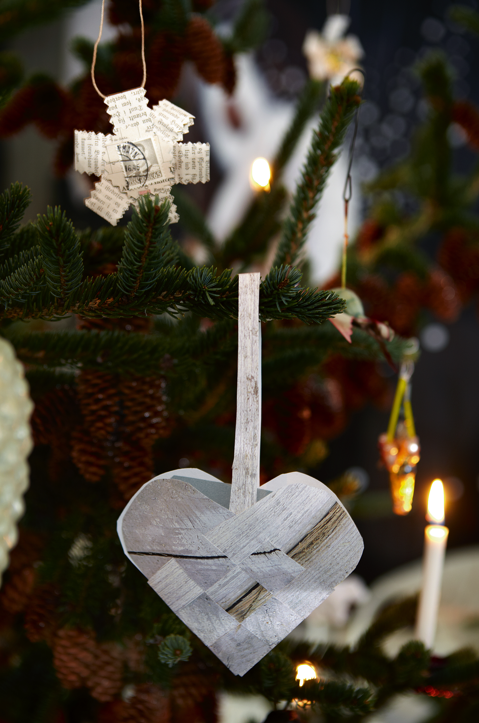 paper heart tree decoration
