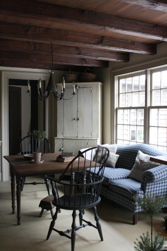 4 Simple Rustic Farmhouse Living Room Decor Ideas: House Tour: Amazingly Austere American Farmhouse