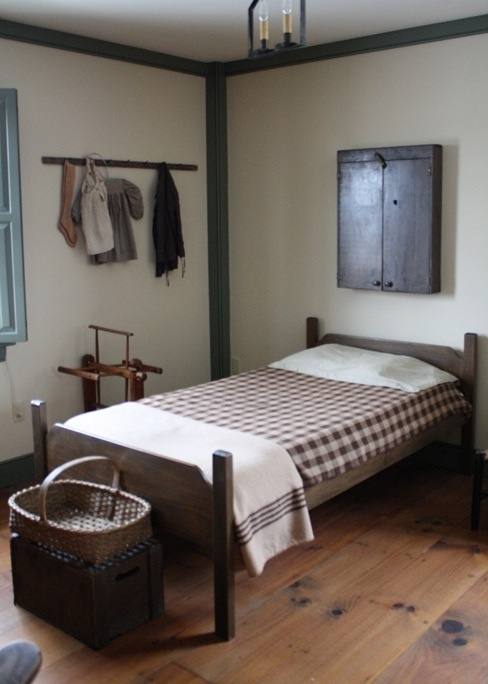 puritan style country bedroom
