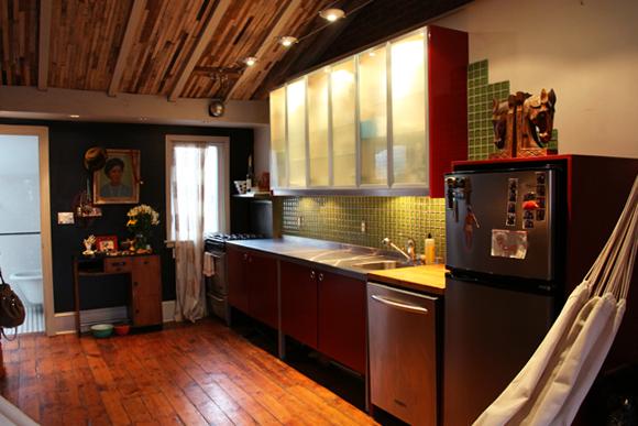 red-loft-kitchen
