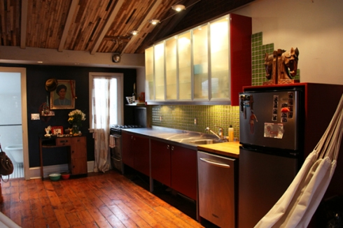 red-loft-kitchen