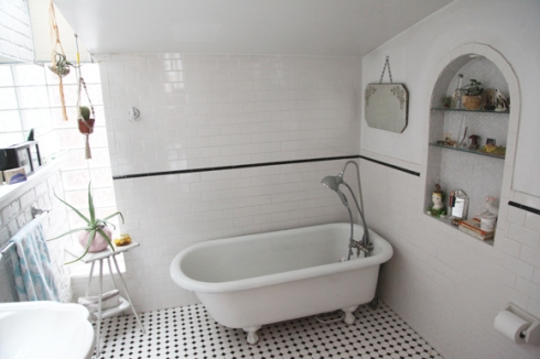 vintage-white-tiled-bathroom