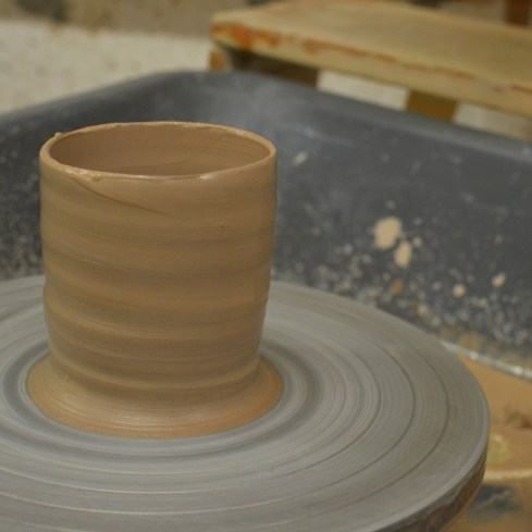 cylinder pot on wheel