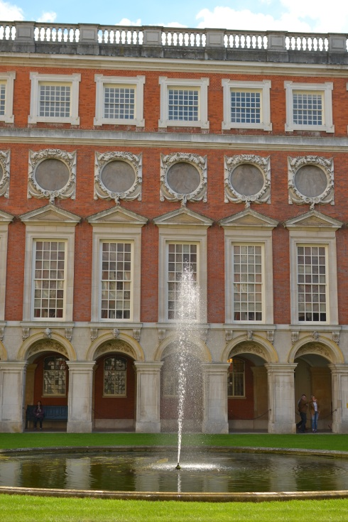 Fountain court at Hampton Court Palace