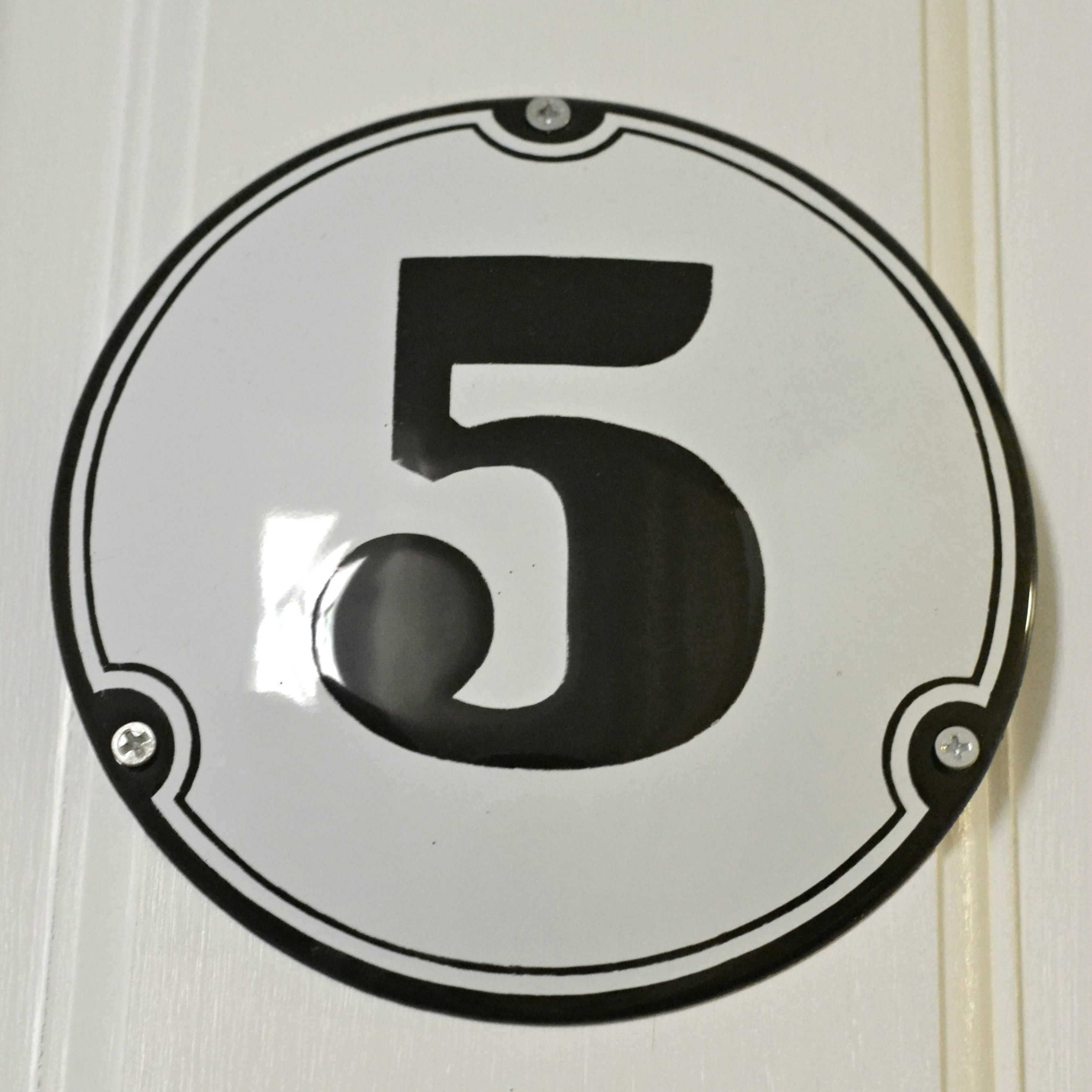 Enamel house number 5