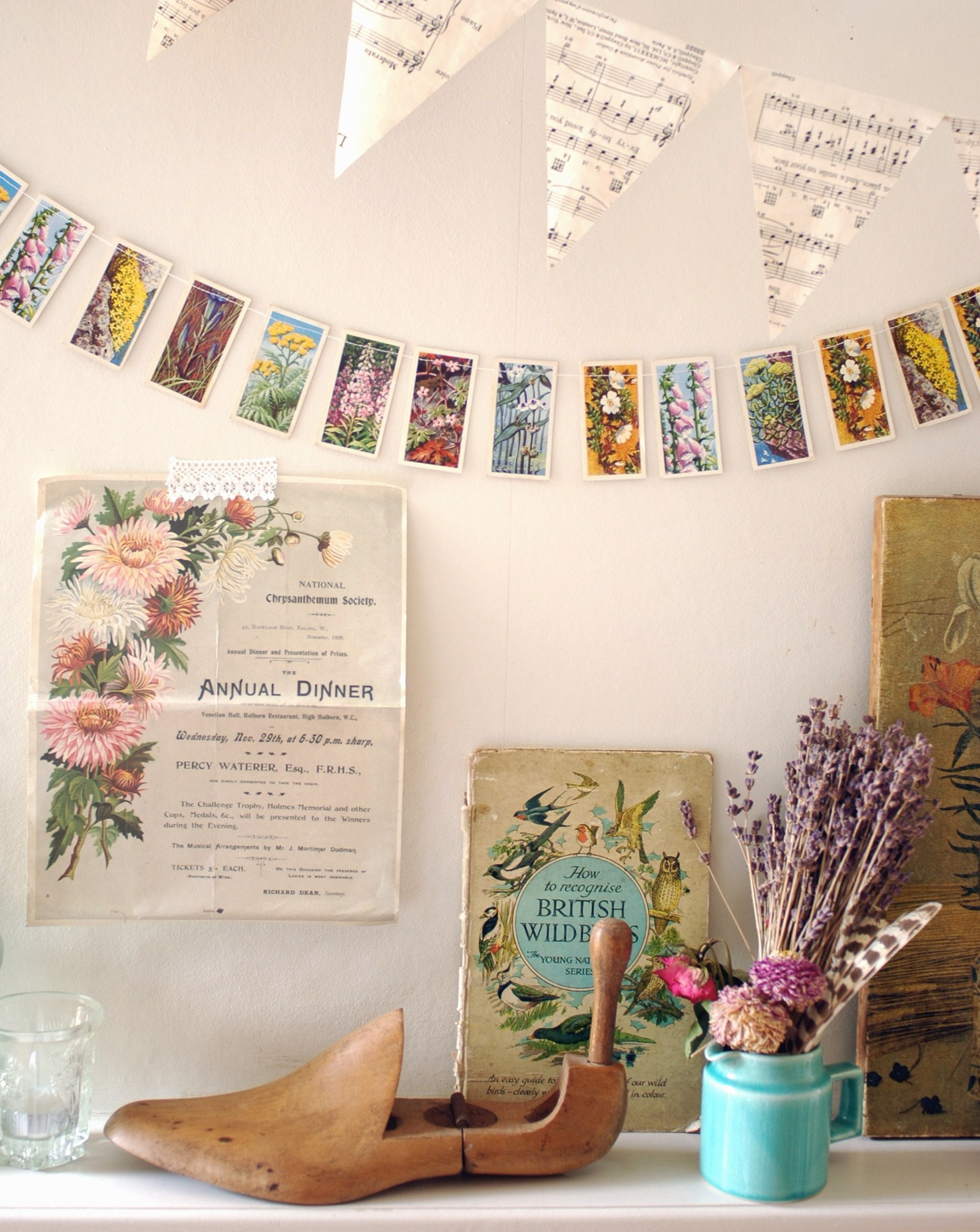 15 minute make vintage cigarette card garland decorator. Black Bedroom Furniture Sets. Home Design Ideas