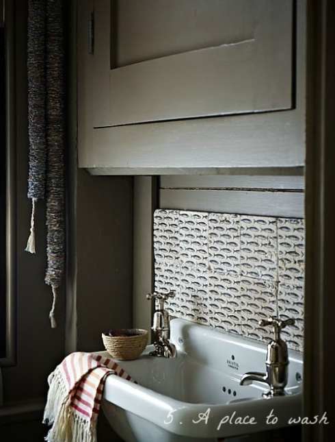 washbasin in guest bedroom