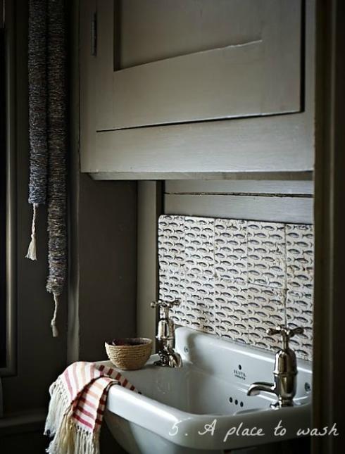 washbasin in guest bedroom