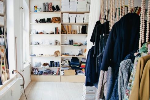 stylish clothes storage ideas Freunde von Freunden