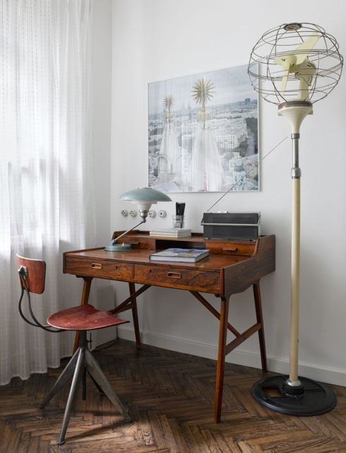 midcentury style workspace in Moscow