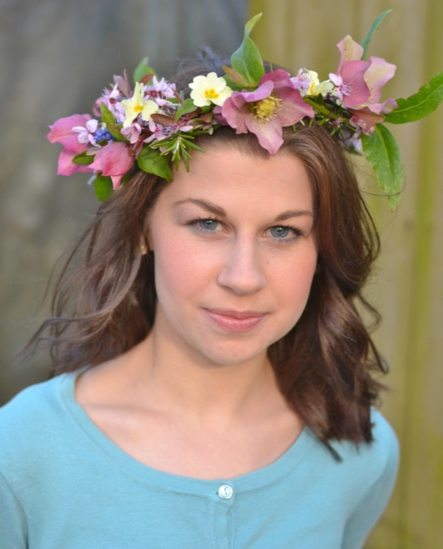 Wildflower headpiece - tutorial at Decorator's Notebook blog